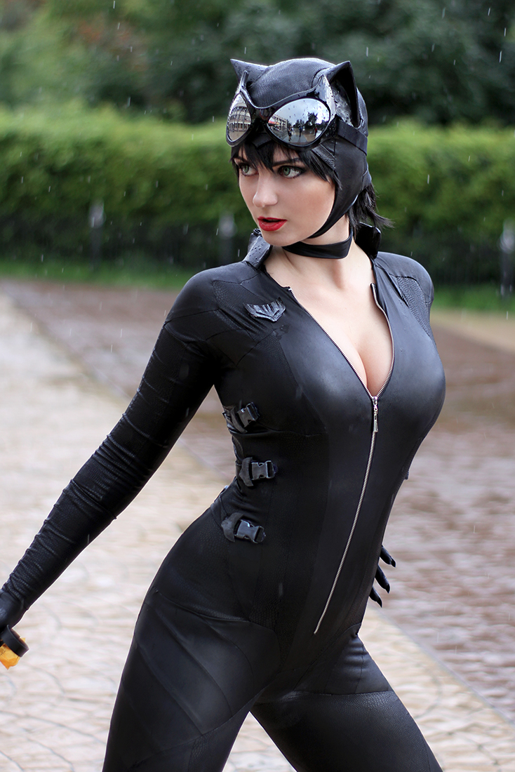Catwoman z Injustice 2