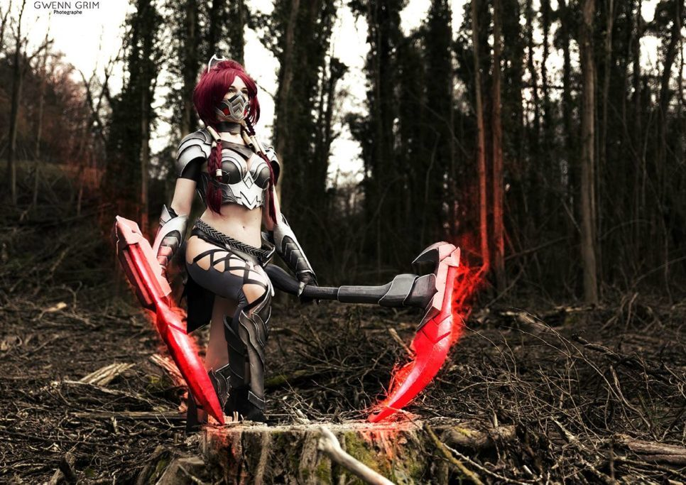 Headhunter Akali z League of Legends