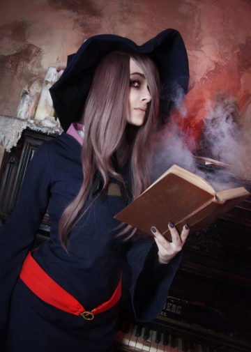 Sucy Manbavaran z Little Witch Academia