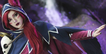 Xayah z League of Legends
