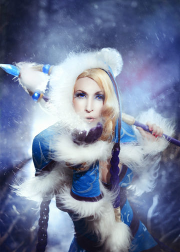 Rylai the Crystal Maiden z DOTA 2