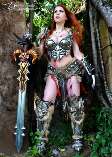 Female Barbarian z Diablo 3