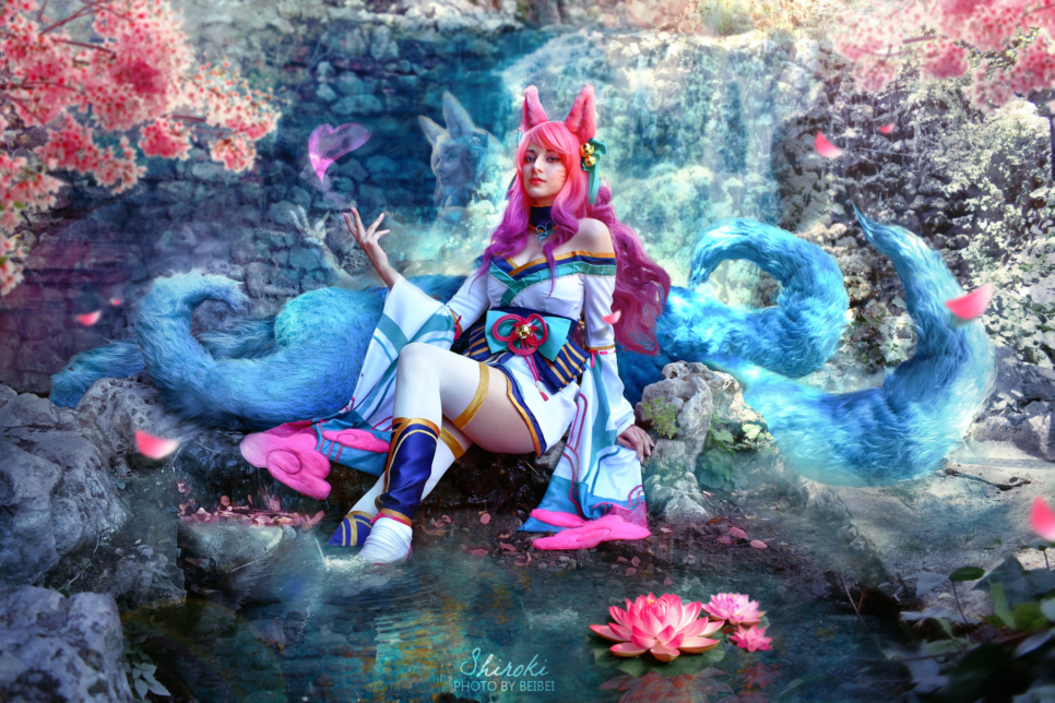 Spirit Blossom Ahri | League of Legends